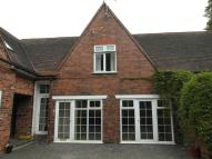 1 bed Ground Flat to rent in Manor Court Mews...