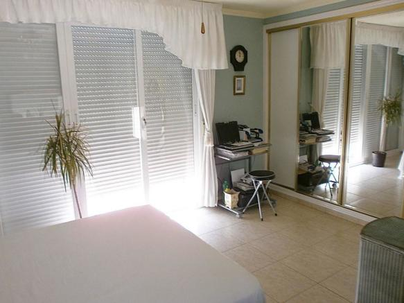 Bedroom (duplex)