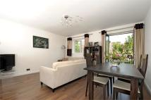 1 bed Apartment in Towergate, Pages Walk...