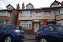 4 bedroom semi detached house to rent in Thornton Road, Wallasey...