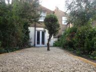 2 bedroom Flat to rent in Billington Road...
