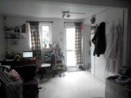 Studio apartment in Carlyon Road, Hayes...