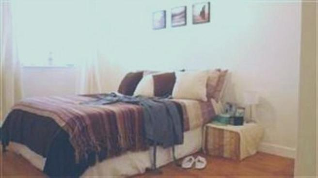 Bedroom with strippe