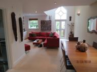 3 bed Flat in    Shoot Up Hill, London...