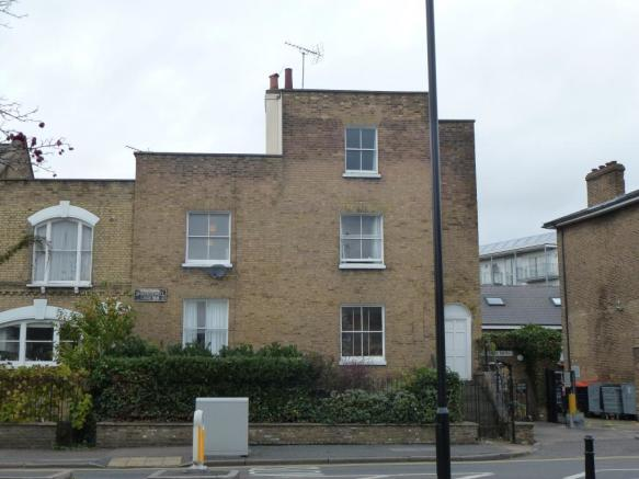 Sought After Location on Shacklewell Lane