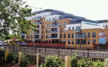 3 bedroom Flat to rent in  Monument Court...