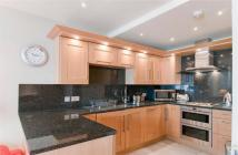 2 bedroom Flat to rent in   Thames Heights ...