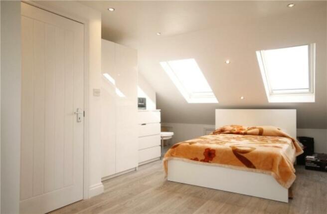 Top Floor Double Bedroom with en-suite