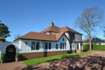 Detached Villa in 10 Doonholm Road...
