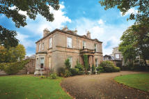 Detached Villa for sale in Carston House...