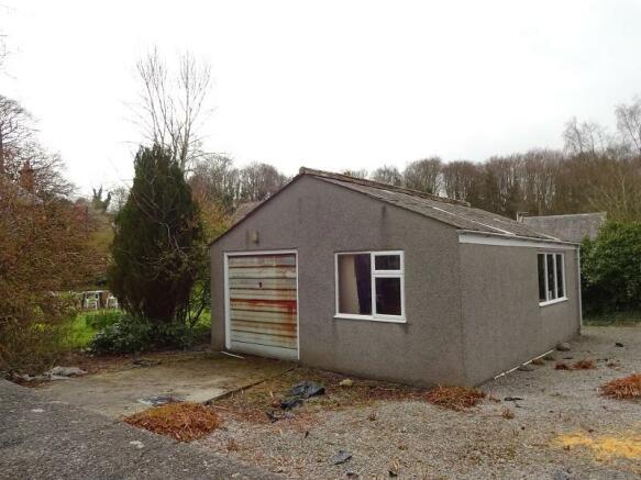 Garage/ Building Plot