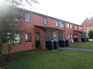 Ground Flat to rent in WoodField Road...