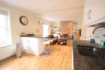 property to rent in High Street, Godalming, GU7
