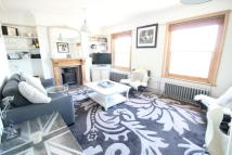 2 bedroom Apartment in Croft Road Godalming