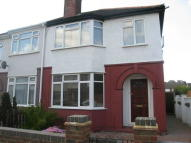 3 bedroom semi detached house to rent in Middlefield Avenue...