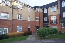 Ground Flat to rent in Plomer Avenue, Hoddesdon...