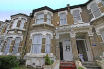 Ground Flat to rent in Fillebrook Road...