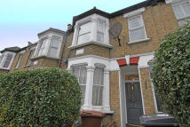 3 bed Flat in Albert Road, Leyton, E10