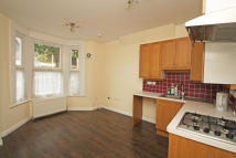 2 bedroom Flat to rent in Acacia Road, London, E11