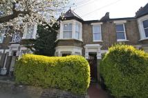 2 bed Flat to rent in Newport Road, London, E10