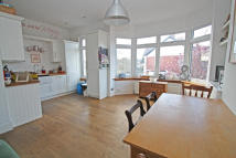 Flat to rent in Lyndhurst Drive, London...