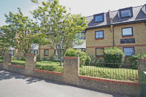 Ground Flat to rent in Mornington Road...