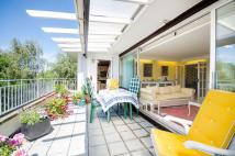 Flat for sale in Sunset Avenue IG8