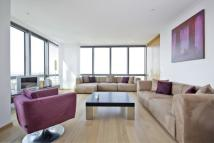 2 bedroom Apartment in West India Quay, E14