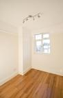 3 bedroom home in Kingfisher, London, E11