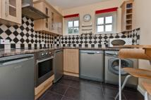 1 bed Apartment in Athol Square, London, E14