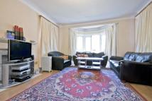 Bungalow to rent in South Woodford, E18
