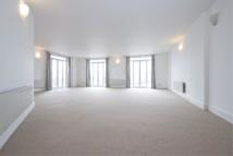 3 bed Apartment in Dundee Wharf, London...