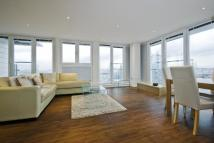 2 bed Apartment to rent in Oxygen Building, E16
