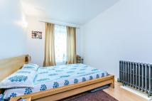 Apartment in Royal Arsenal, SE18
