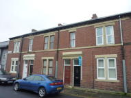 Flat to rent in Warwick Road, Wallsend...