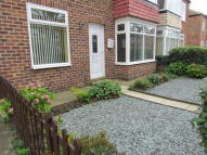 Ground Flat to rent in Closefield Grove...