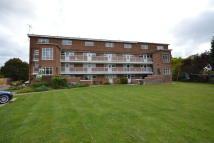 1 bedroom Ground Flat in Finches Close...