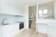 2 bedroom Flat to rent in Shorrolds Road...