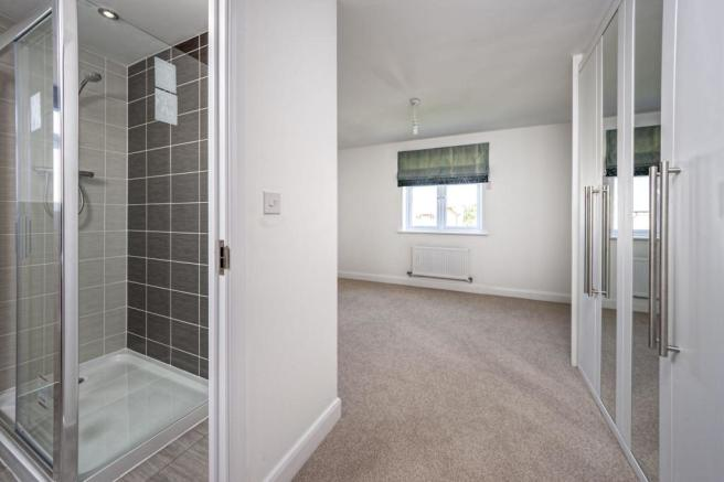 The Wroxham: Master and En Suite