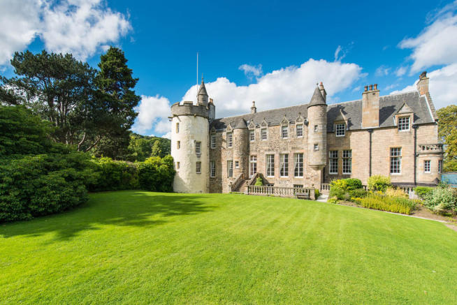 6 bedroom manor house for sale in craigcrook road