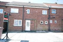 3 bedroom Town House in Holly Crescent...