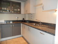 2 bed Flat to rent in Hanover Avenue, London...