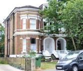 Studio apartment to rent in Upper Grosvenor Rd