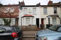2 bedroom house to rent in Goldsmith Road...
