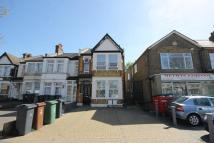 2 bedroom Flat to rent in Chingford Mount Road...