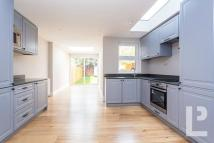 4 bed property for sale in Eden Road, Walthamstow
