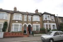 2 bedroom Flat to rent in Bickley Road, London