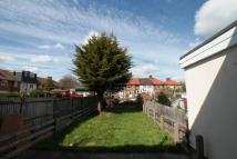2 bedroom house to rent in Grafton Road, Dagenham