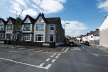Flat to rent in Chestnut Avenue South...
