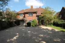 5 bedroom Detached home in Stevenage Road...
